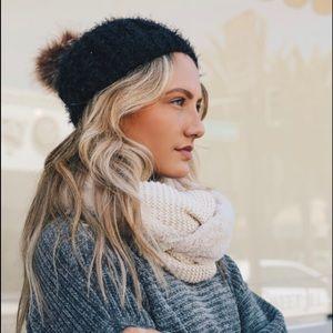Accessories - Black soft knit beanie